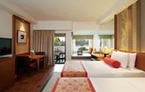 Outrigger Laguna Phuket Beach Resort (アウトリガー ラグーナ プーケット ビーチリゾート)