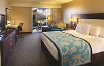 Doubletree By Hilton Alana - Waikiki Beach (ダブルツリー アラナ ワイキキビーチ)