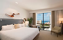 Hyatt Centric Waikiki Beach (ハイアット セントリック ワイキキ ビーチ)