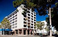 クオリティホテル アンバサダー パース