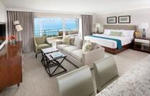 Ilikai Hotel & Luxury Suites (イリカイ ホテル&ラグジュアリー スイート)