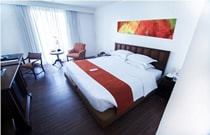 Waterfront Pavilion Hotel And Casino Manila (ウオーターフロントパビリオン ホテルアンドカジノ)