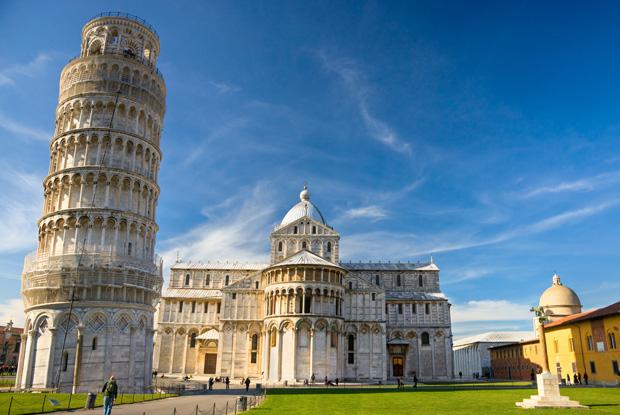 イタリア「ピサの斜塔」に登って傾きを体感してみる旅