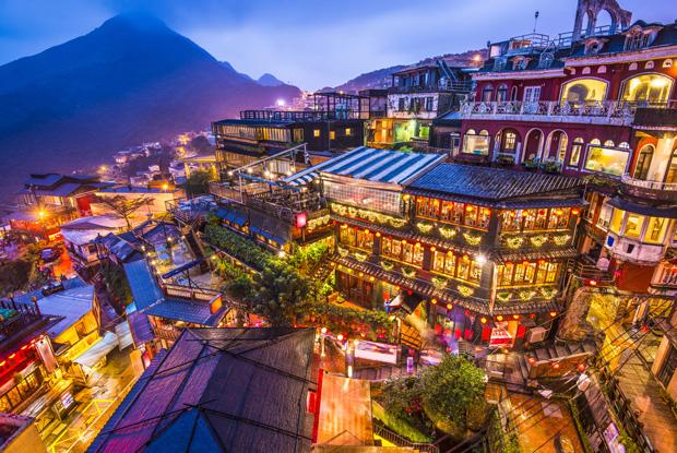 台湾へ行く理由になるほど幻想的な夜の「九ふん」