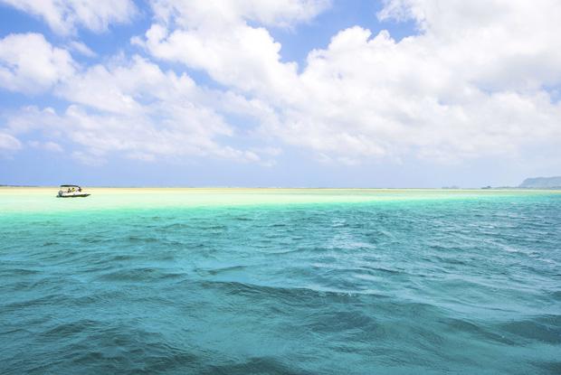 「天国の海」と呼ばれるハワイサンドバーへの行き方