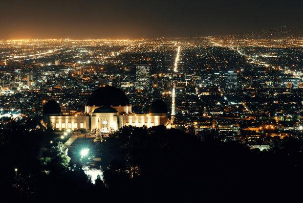 グリフィス天文台で満天の星空と眼下に広がるロスの夜景を