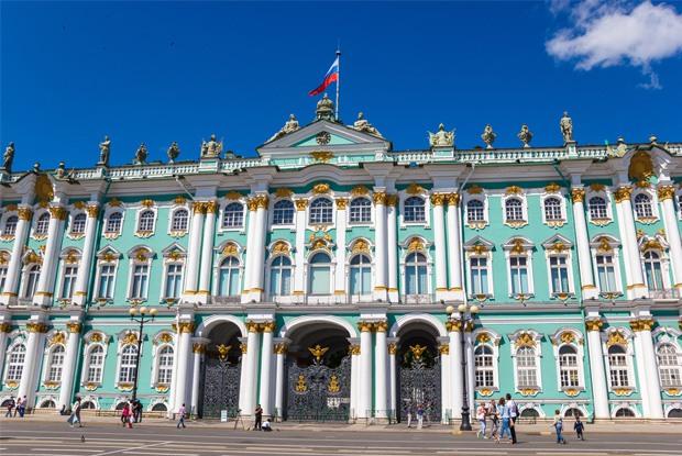 豪華絢爛な宮殿と膨大な美術品!【ロシア】エルミタージュ美術館の見どころ