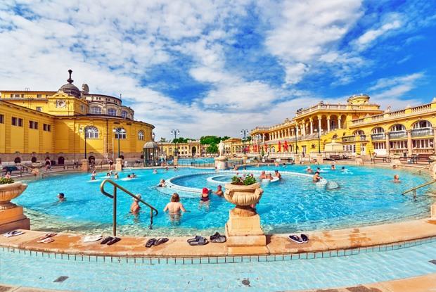 ハンガリー在住ライターが語る東欧旅行の魅力!温泉&ワイン&絶景