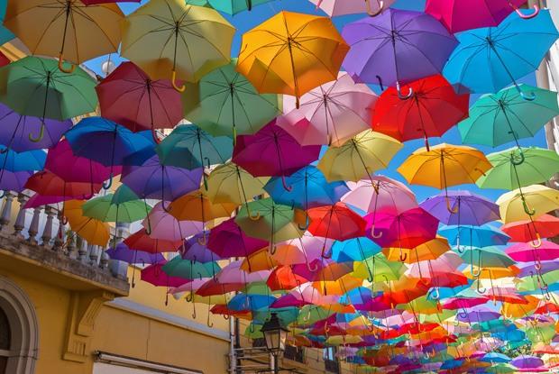 ポルトガルの傘祭りでSNSを鮮やかに染めよう!