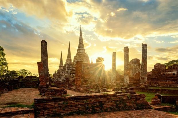 タイの古都アユタヤの夕陽