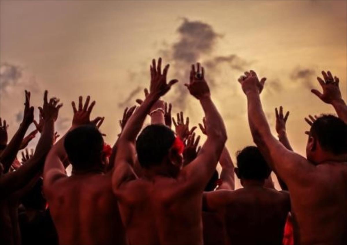 バリ島で味わうケチャックダンス、観光客をひきつけてやまないその魅力とは?【バリ島】