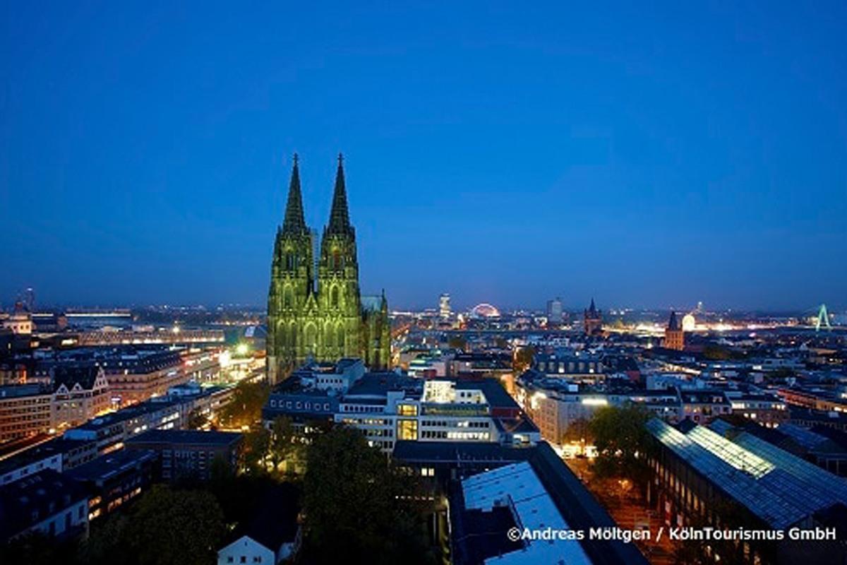 ケルン大聖堂で、ドイツ屈指の世界遺産を堪能する