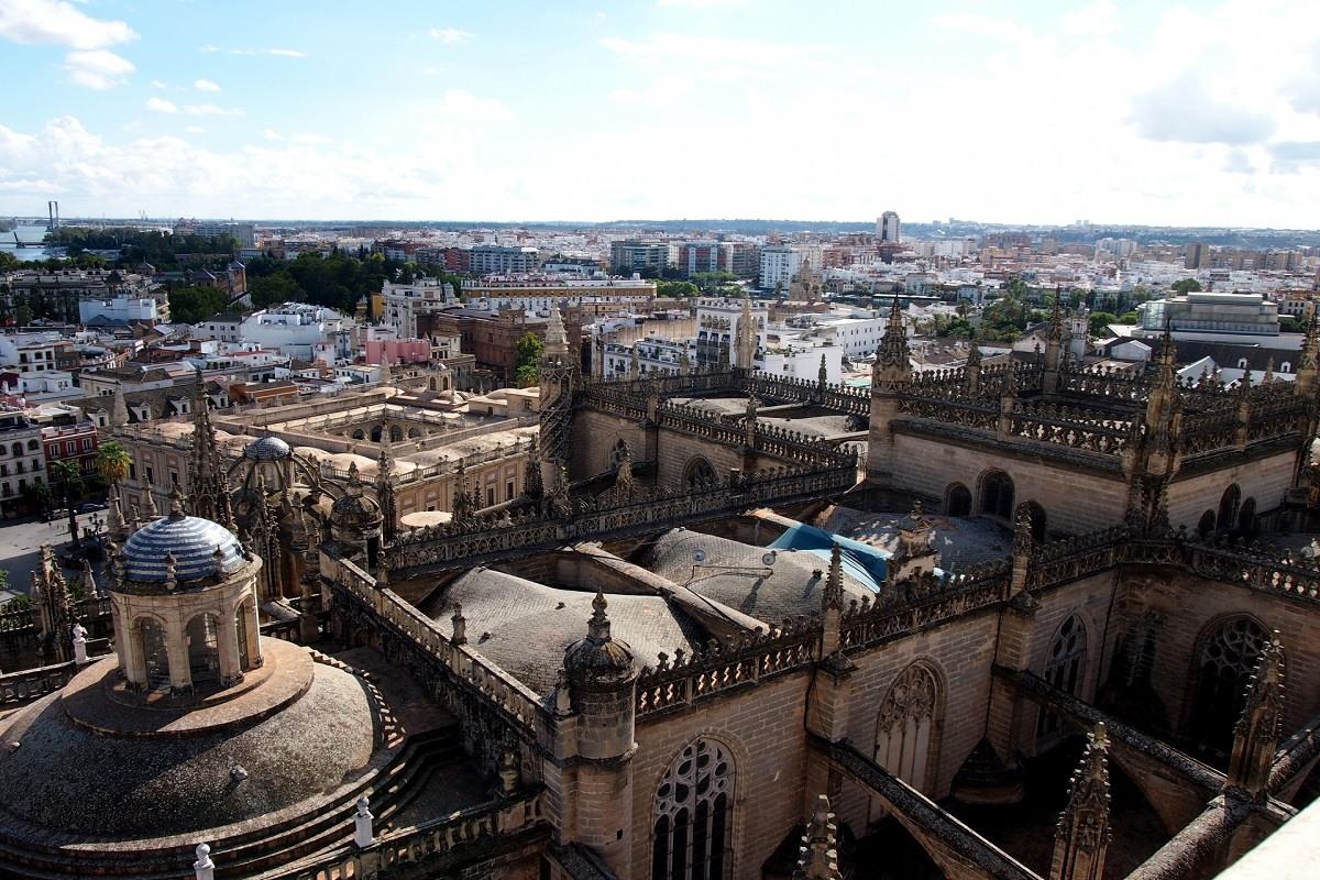 スペインアンダルシアで、世界遺産と路地裏を愉しむ旅