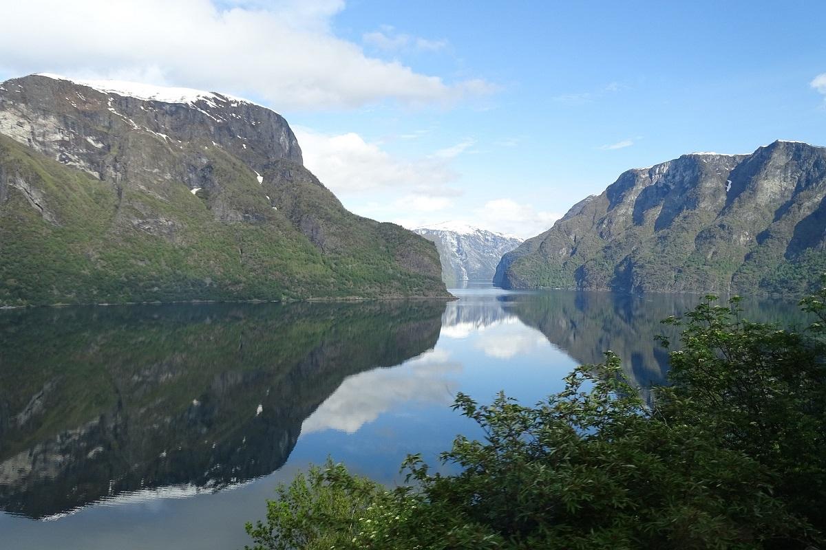 ノルウェーのフィヨルド観光は、鉄道・バス・フェリーのセットで行く!
