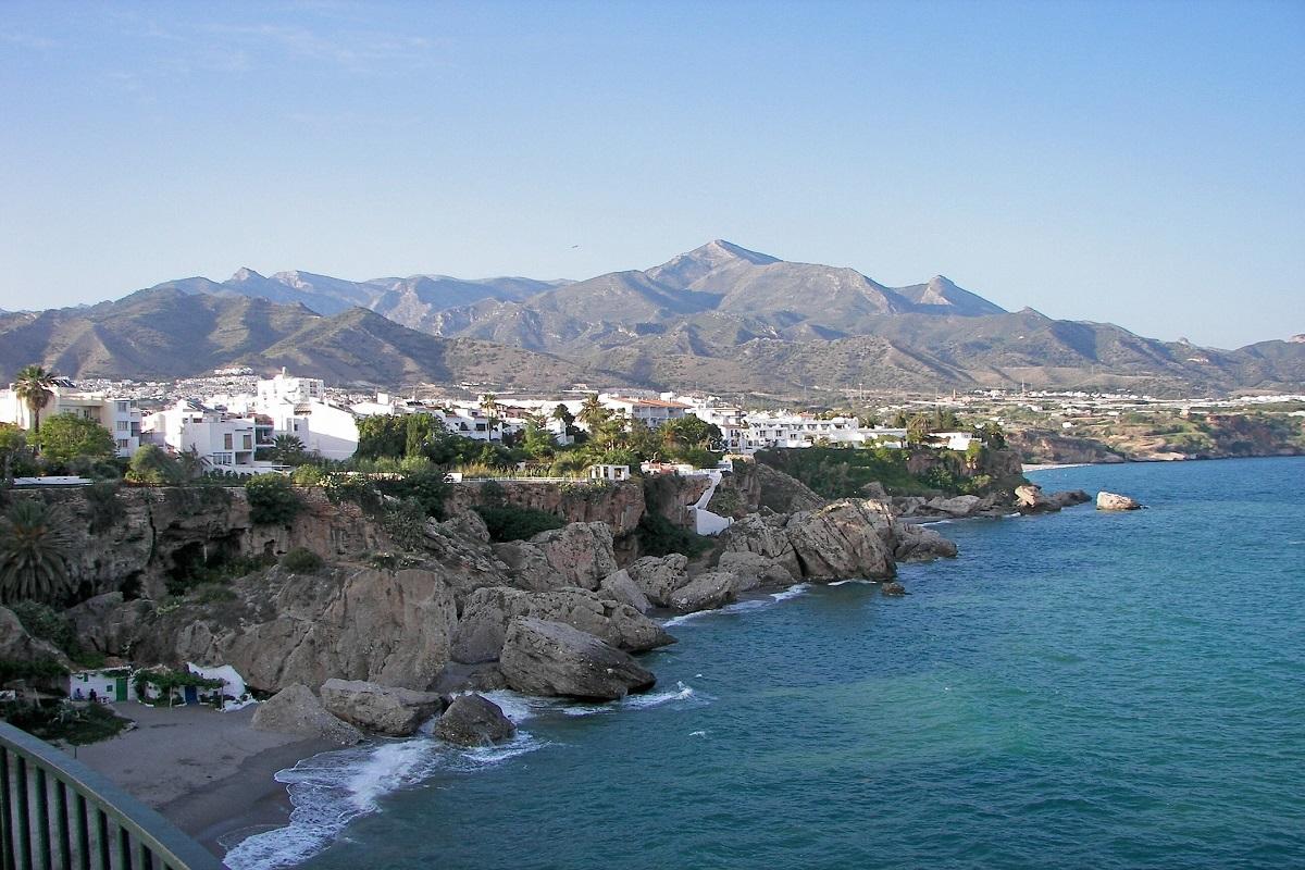 バス旅で快適!スペイン・アンダルシアの絶景小都市ミハスやロンダなどを巡る感動ツアー