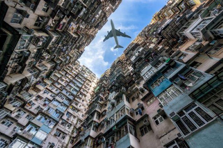 香港へのフライト時間と時差はどのくらい?機内での過ごし方は?
