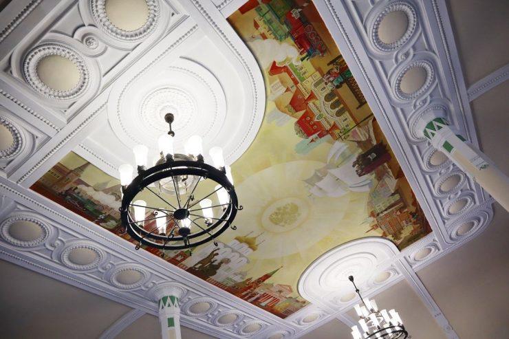 駅舎の天井画