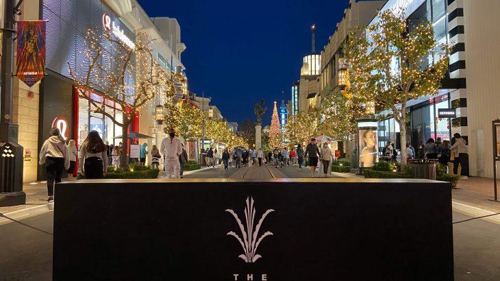 クリスマスシーズンでも閑散としたLAの有名ショッピングモールThe Grove