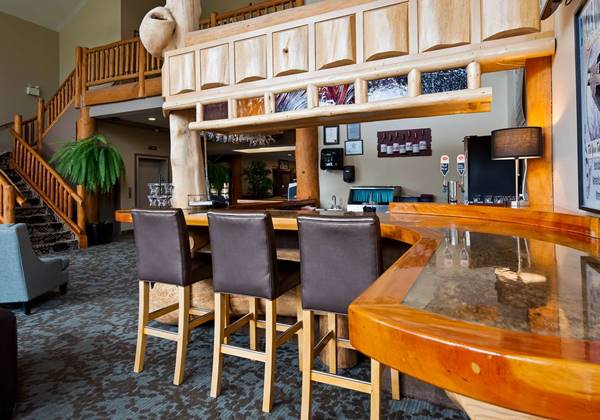 Cranberry Lounge Bar