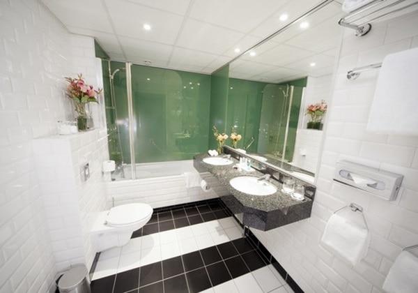 バスルーム/BATHROOM