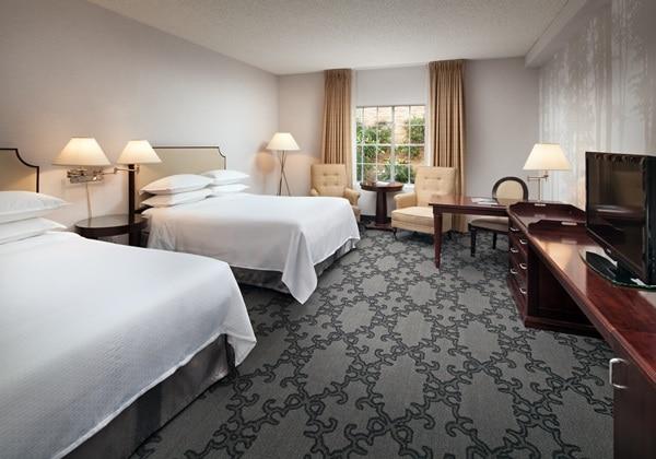 Standard Queen Queen Room