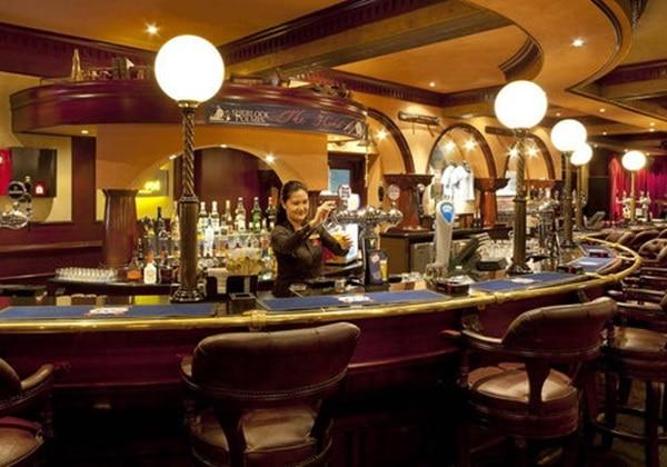 Sherlock Holmes English Pub