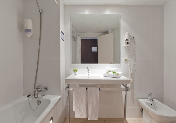 Bath Room (superior)