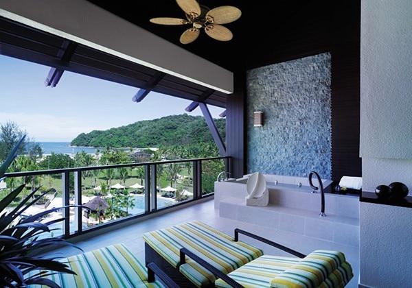 Ocean Wing Permier Room Balcony