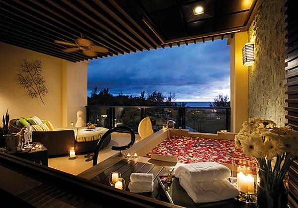 Ocean Wing Premier Room Balcony