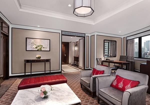 Athenee Suite Room