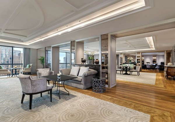 Royal Club Lounge