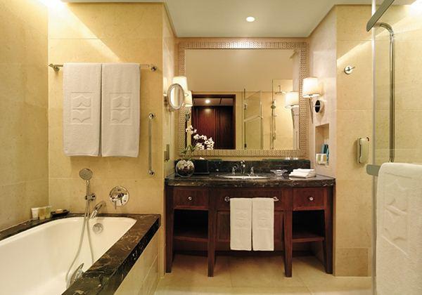 Deluxe room bath room