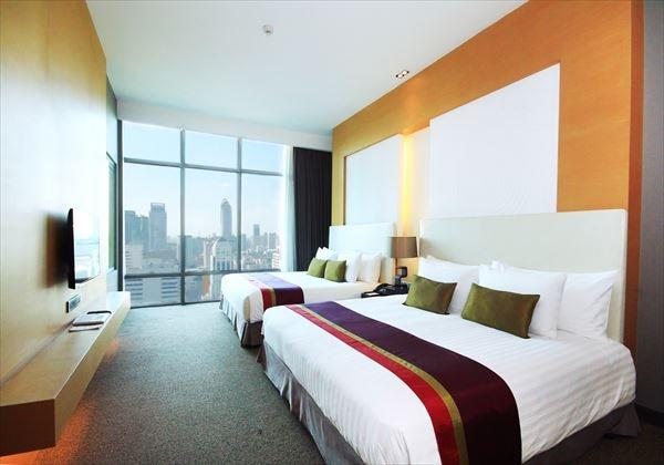 1. Grand Regent Suite - Bedroom (Master