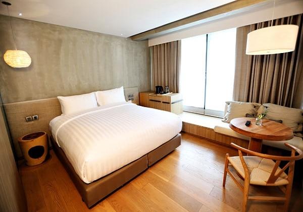 Extra Plush Room