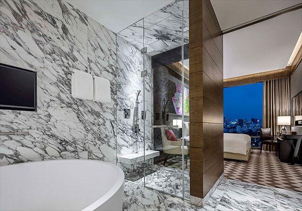 ayutthaya suites bathroom