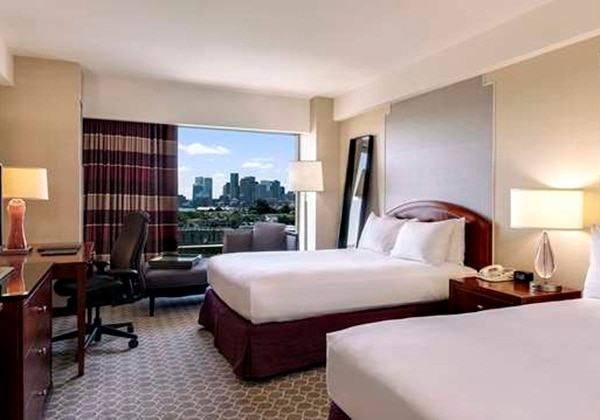 BOSTON SKYLINE VIEW, 2 DOUBLE BEDS