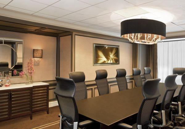 Boardroom/会議室