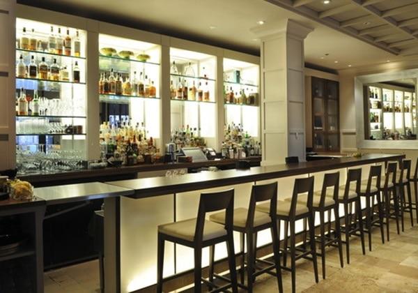 Clio Bar