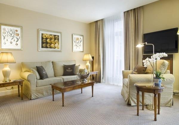 2 Room Plaza Suite