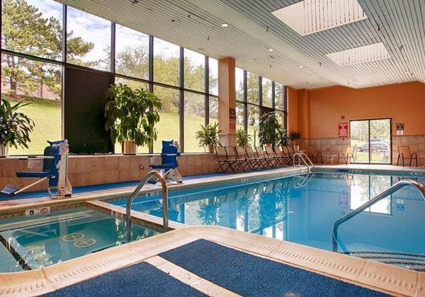 プールなどの施設