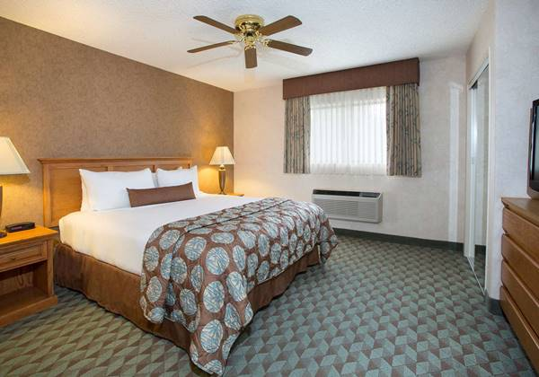 Luxury King Guest Suite