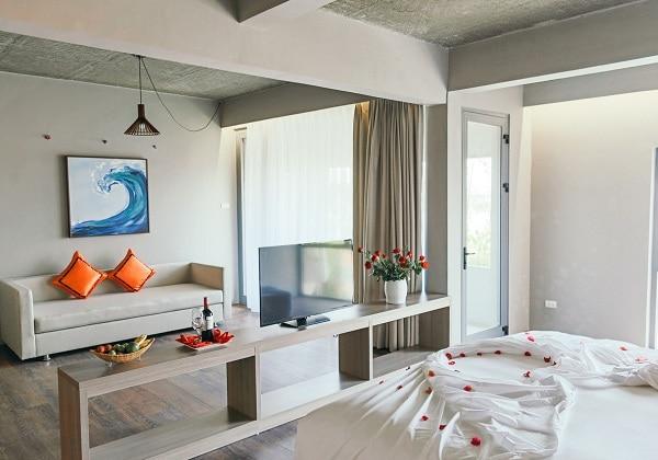 Suite Pool or Garden