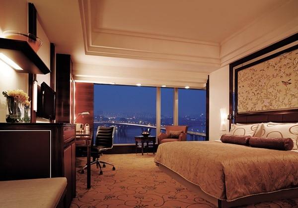 Premier River View King Room