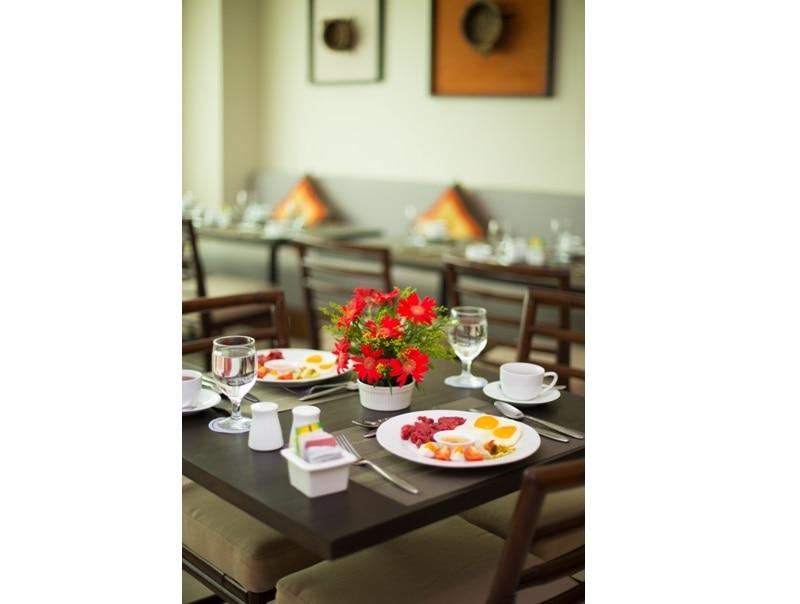 展望レストラン『Platella』