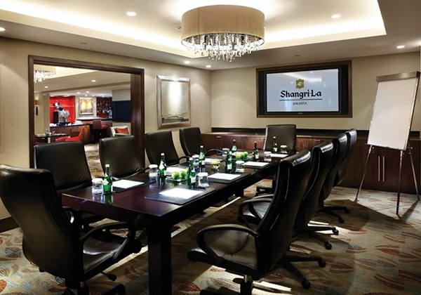 Horizon Club Lounge Meeting Space
