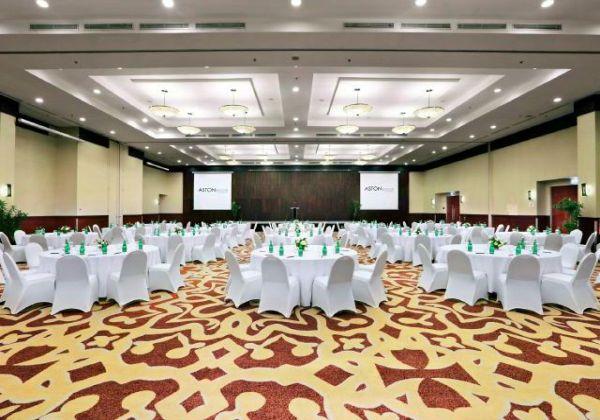 Ballroom Round Table Style