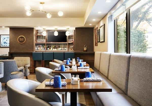 Restaurant and Lobby Bar