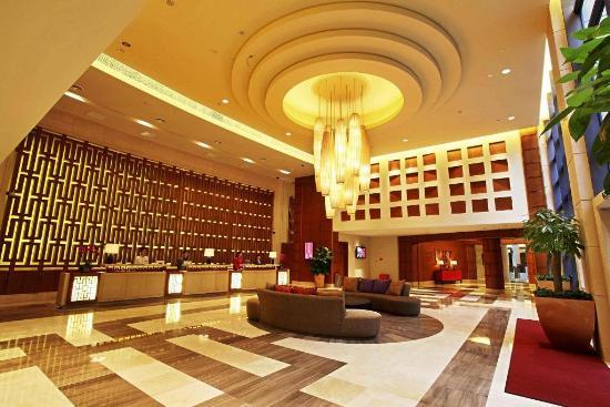 重慶濱江皇冠假日酒店