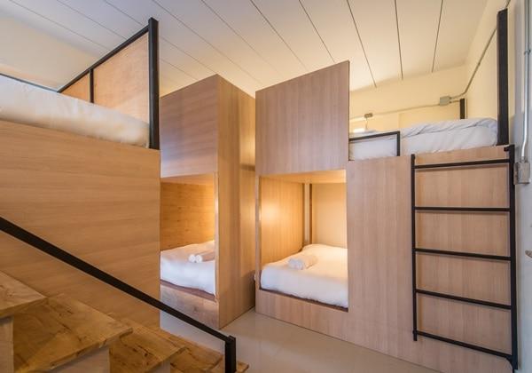 Single Bed Mixed Dormitory