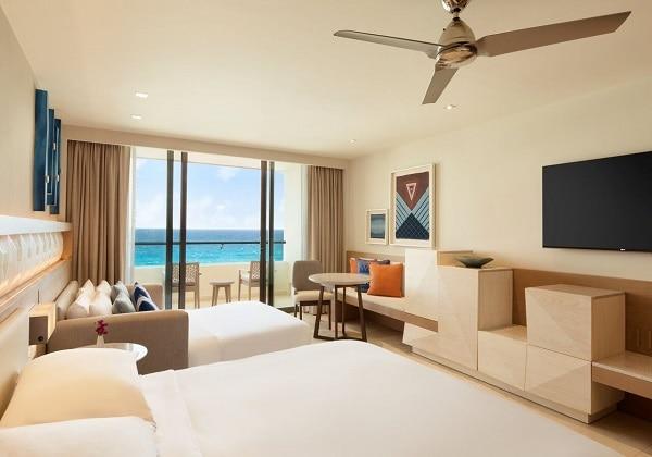 Oceanfront-Master-Room